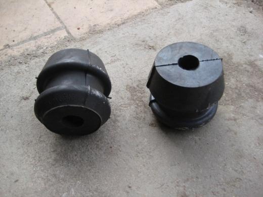 Подушка опоры двигателя передняя (грибок)