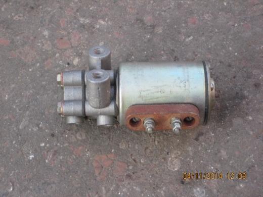 Клапан электромагнитный упр.трансмис. (12V)